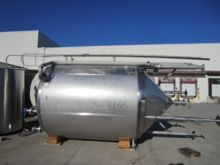 1996 APACHE 2,000 Gallon Stainl