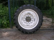 Wheels, tyres, twin wheels - :