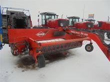2015 KUHN MERGE MAXX 300