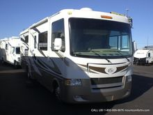 2011 Thor Motor Coach Hurricane