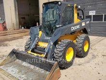 2011 Deere & Co. 332D