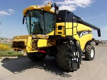 2004 New Holland CX860
