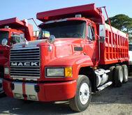2002 Mack CH