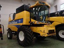 2011 NEW HOLLAND CSX7040 FS