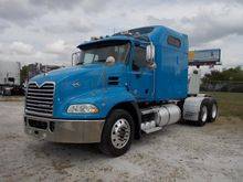2010 MACK PINNACLE CXU613